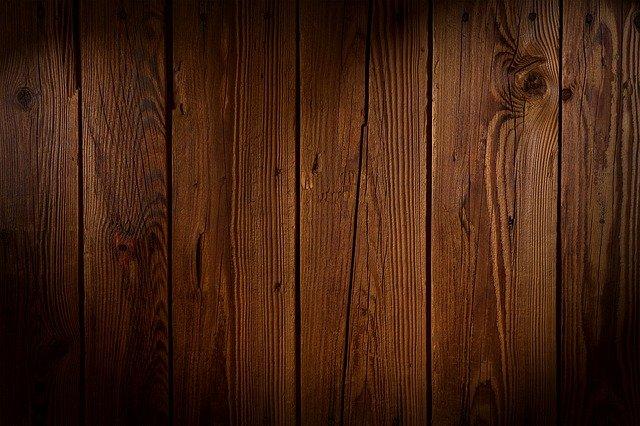 Revisiter la décoration intérieure avec un revêtement mural en bois