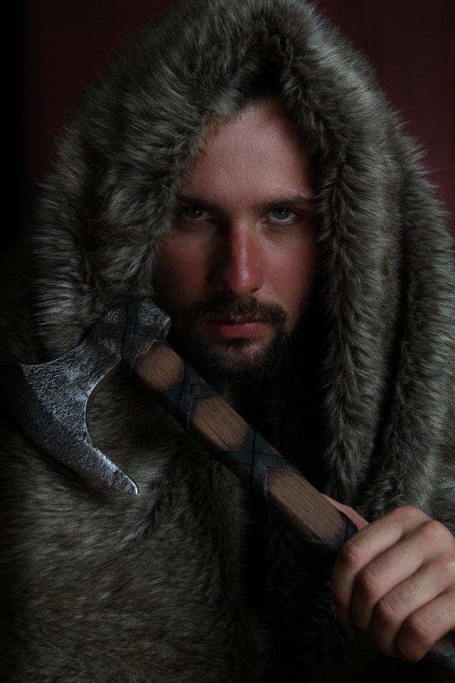 le bracelet viking incarne la force mentale